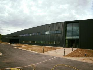 Remise en état vitres hangar à Aix par Marseille Nettoyage (13)