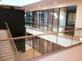 Nettoyage de vitres pour une entreprise d'Aix en Provence - Marseille Nettoyage