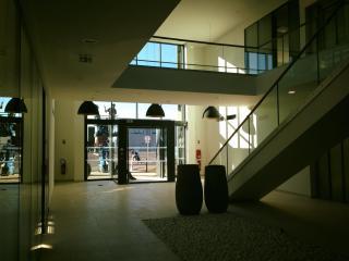 Nettoyage complet de la vitrerie d'un bâtiment Aixois - Marseille Nettoyage